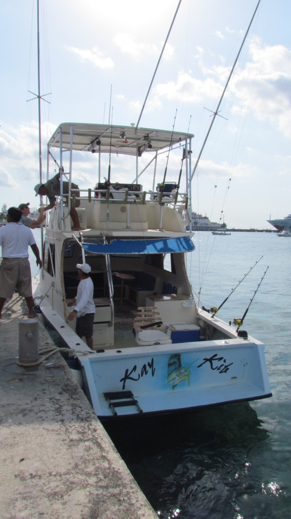 Deep sea fishing in cozumel divergent travelers for Deep sea fishing grand cayman